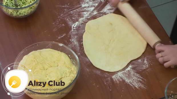 Видео рецепта теста для пиццы на майонезе с яйцами и маслом