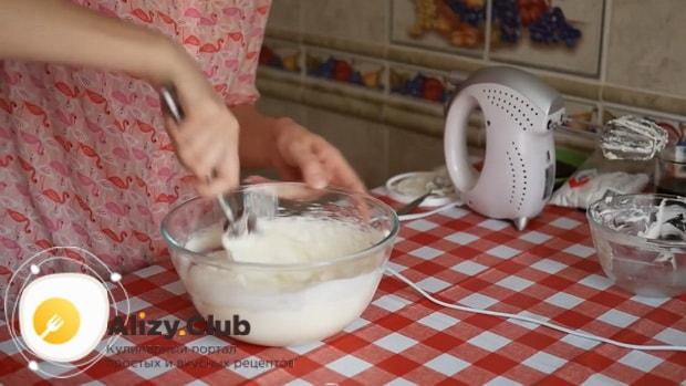 Для приготовления тирамису без яиц со сливками и маскарпоне приготовьте тетсо
