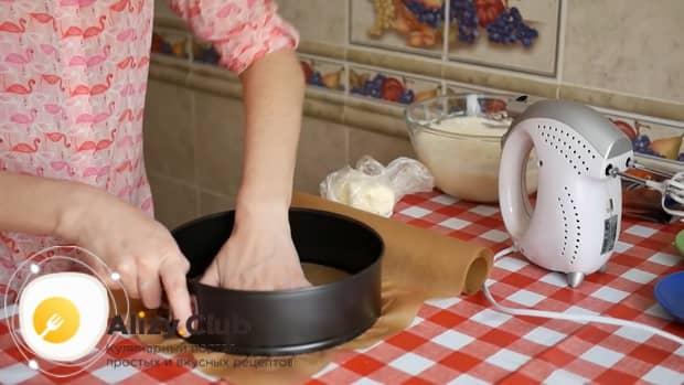 Для приготовления тирамису без яиц со сливками и маскарпоне подготовьте форму