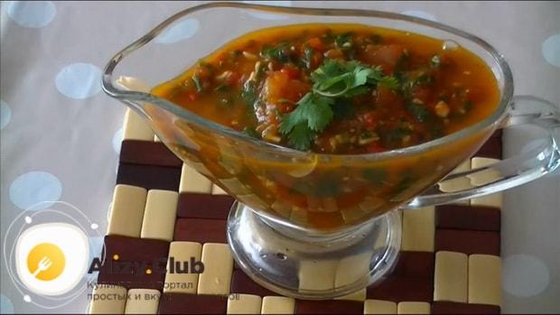 По рецепту для приготовления соуса к мясу в домашних условиях. подготовьте ингредиенты