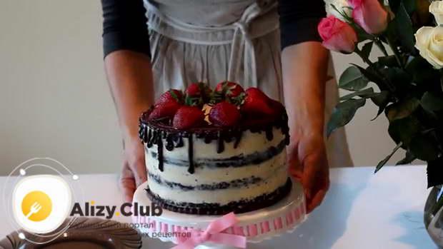 Видео рецепта шоколадного бисквитного торта