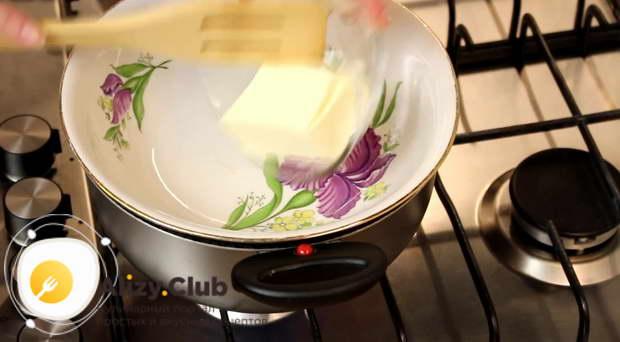 Классический рецепт медового торта «Чудо» на водяной бане
