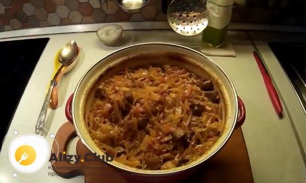 Подробный рецепт приготовления тушеной капусты с грибами и картошкой