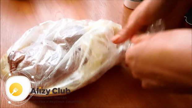 утиные окорочка в рукаве в духовке