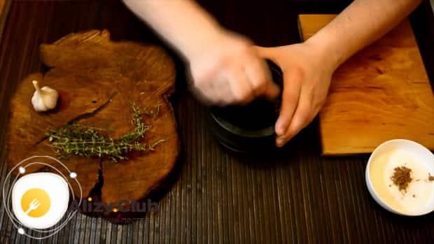 Рулетики из сырокопченой свиной шейки - рецепт пошаговый с фото