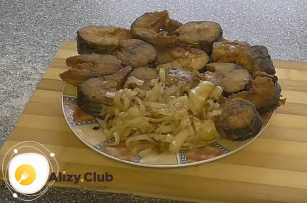Приготовьте жареную скумбрию на сковороде по нашему рецепту с фото, и вкуснейшая трапеза вам обеспечена!