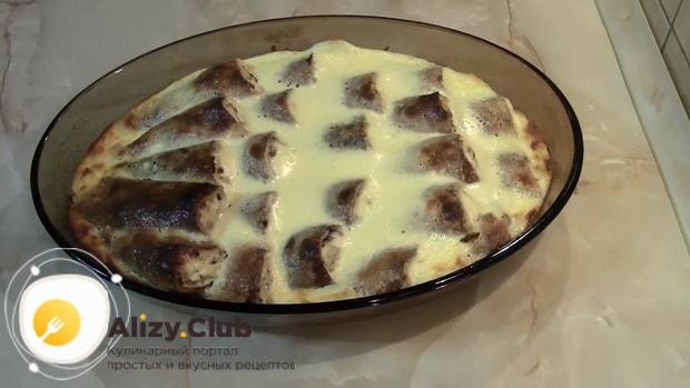 Вкусные блины с творогом в духовке с заливкой готовы