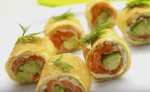 Пошаговый рецепт блинов с лососем и сливочным сыром Филадельфия