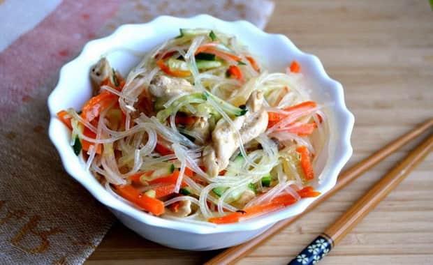 Рецепт приготовления фунчозы с курицей и овощами
