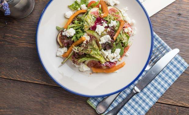 как подавать салат с рикоттой, тыквой и инжиром