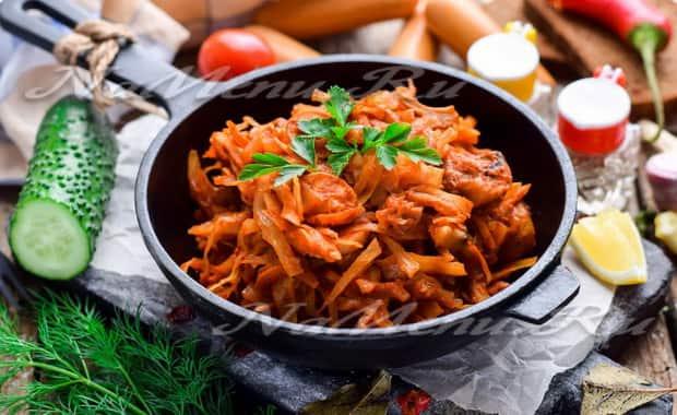 Как приготовить тушеную капусту с сосисками по пошаговому рецепту с фото