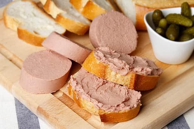 Смотрите как готовится ливерная колбаса в домашних условиях