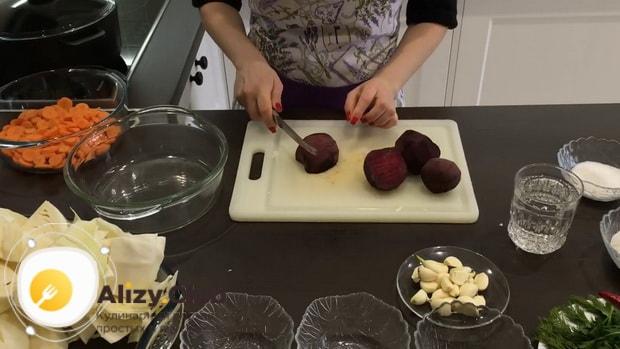 Как готовится капуста маринованная со свеклой и морковью