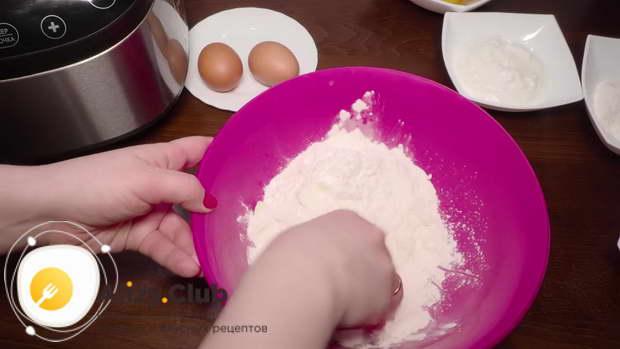 Пирог с персиками в сметанной заливке в мультиварке