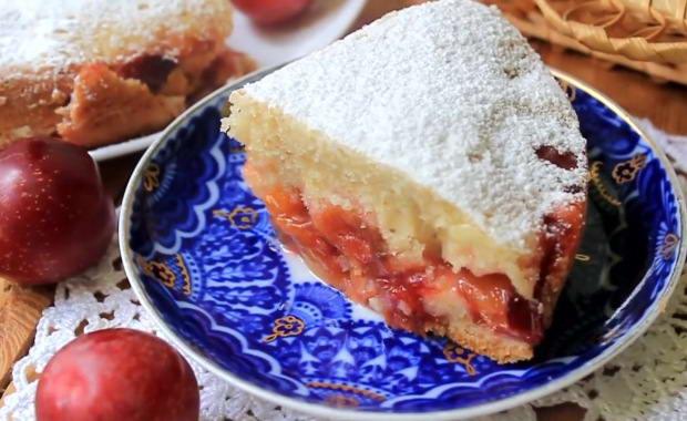 Пошаговый рецепт приготовления пирога со сливами