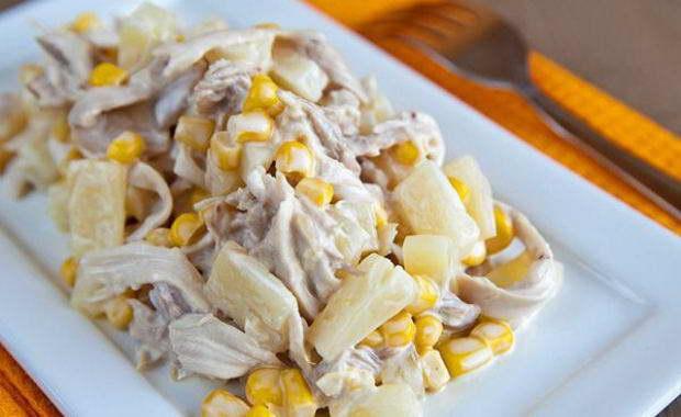 Пошаговый рецепт приготовления простого салата с куриной грудкой с фото
