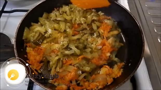 Готовая зажарка для приготовления супа рассольник с перловкой и солеными огурцами