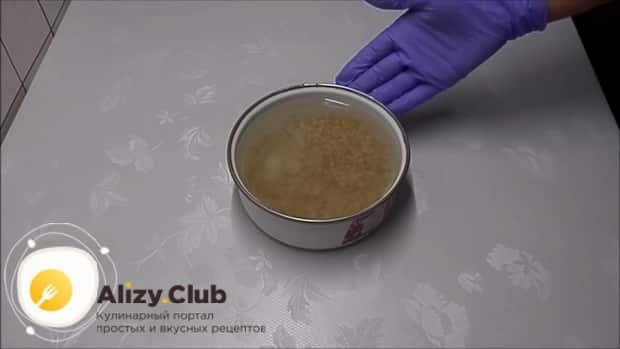 Готовим классический рассольник с перловкой и солеными огурцами