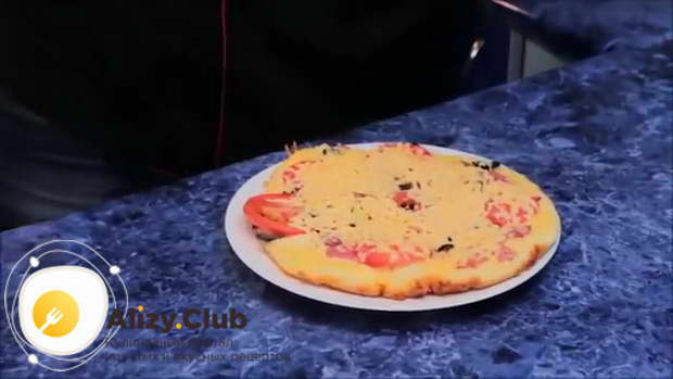 Видео рецепта пиццы из жидкого теста на майонезе