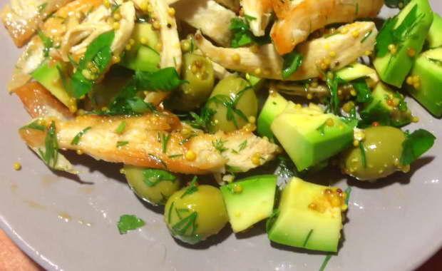 Пошаговый рецепт приготовления салата с авокадо и курицей