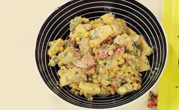 Пошаговый рецепт приготовления салата с курицей и ананасами