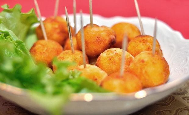 Вкусные картофельные шарики готовы