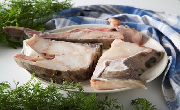 Для приготовления стейка из зубатки подготовьте ингредиенты