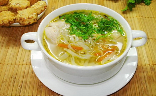 Подробно о том как сварить вермишелевый суп с курицей