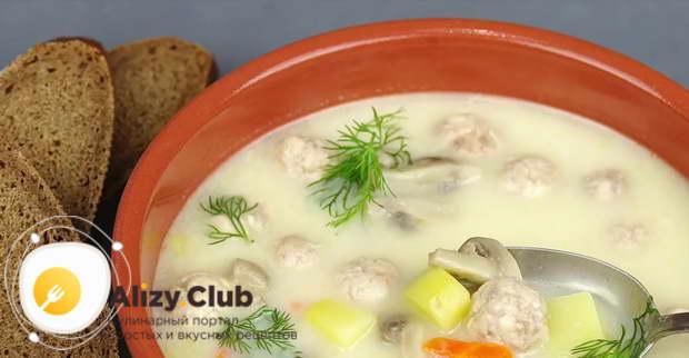 Видео рецепта сырного супа с фрикадельками и грибами