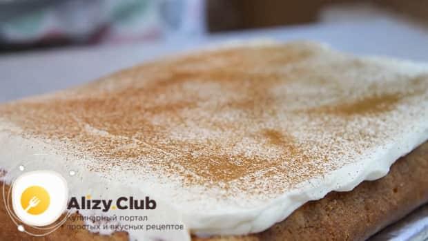 По рецепту для приготовления нежного десерта три молока, посыпьте корж какао