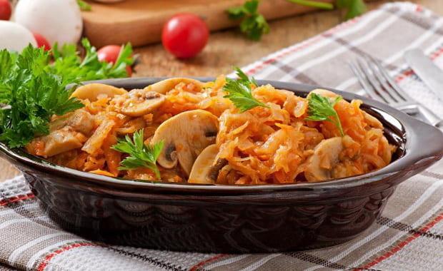 Как приготовить тушеную капусту с грибами по пошаговому рецепту с фото