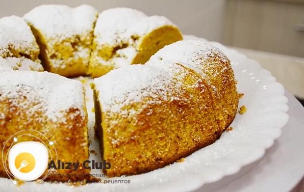 Для приготовления тыквенного пирога с медом и корицей подготовьте ингредиенты