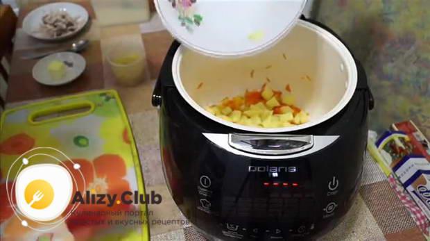 Очистить и промыть 3 картофеля