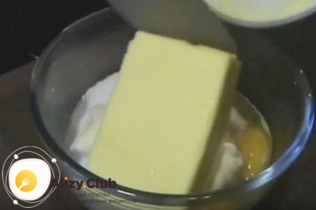 Это печенье Хризантема готовим на майонезе и сливочном масле.