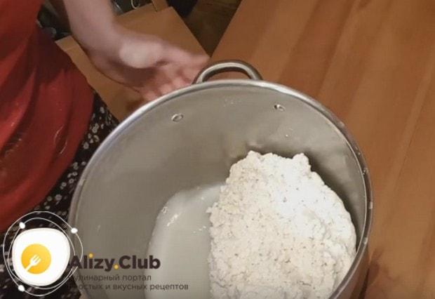 Вот такая масса для приготовления твердого сыра из козьего молока у нас получилась.