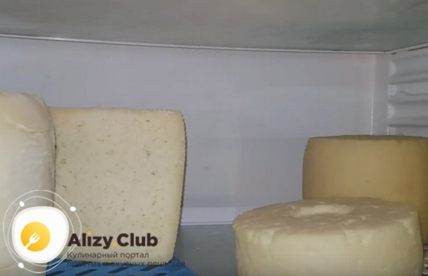 Теперь вы знаете, как сделать сыр из козьего молока.