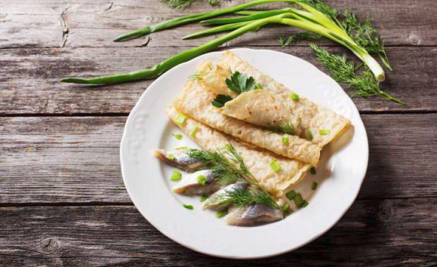 Пошаговый рецепт приготовления блинов с селедкой